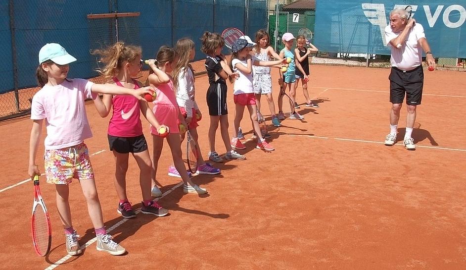 9_Tennis